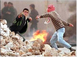 'Intifada de jóvenes palestinos destrozó planes de dominar la Mezquita Al-Aqsa'