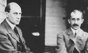 hermanos Wright —Orville y Wilbur