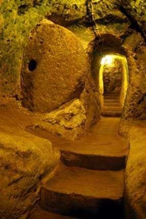 Ciudad Subterranea de Piedra Derinkuyu