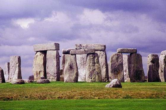 STONEHENGE Monumentos de Piedra Lugares Sagrados y de Culto