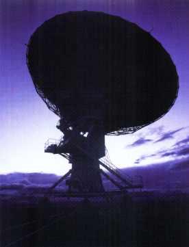 un radiotelescopio para demostrar la TEORÍA DEL BIG BANG Y DE LA EVOLUCIÓN