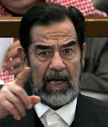 método de la horca en la que Saddam Hussein