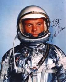 John Glenn fue el primero en orbitar la Tierra