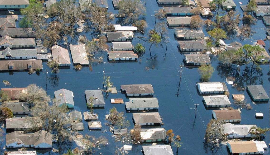 Huracan Katrina: Consecuencias Economicas, Sociales, Ambientales