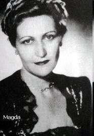 Biografia de Magda Goebbels Mujeres de los NAZI Asesina de sus Hijos