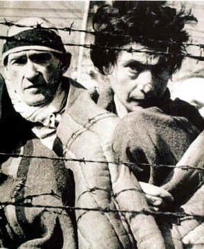 prisioneros en un campo de concetracion
