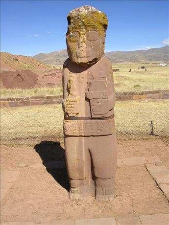 Tiahuanaco Ciudad Sagrada de Bolivia Lago Titicaca Cultura Aymará