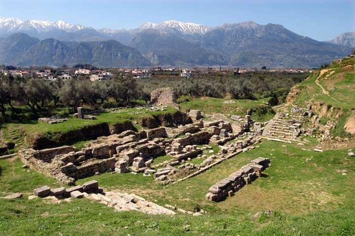 Ruinas del acrópilis y teatro de Esparta