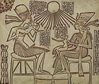 La familia real Egipcia: Akhenaton y Nefertiti