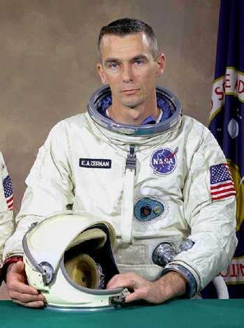 eugene cernan ultimo astronauta en pisar la luna