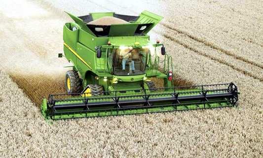moderna cosechadora de trigo