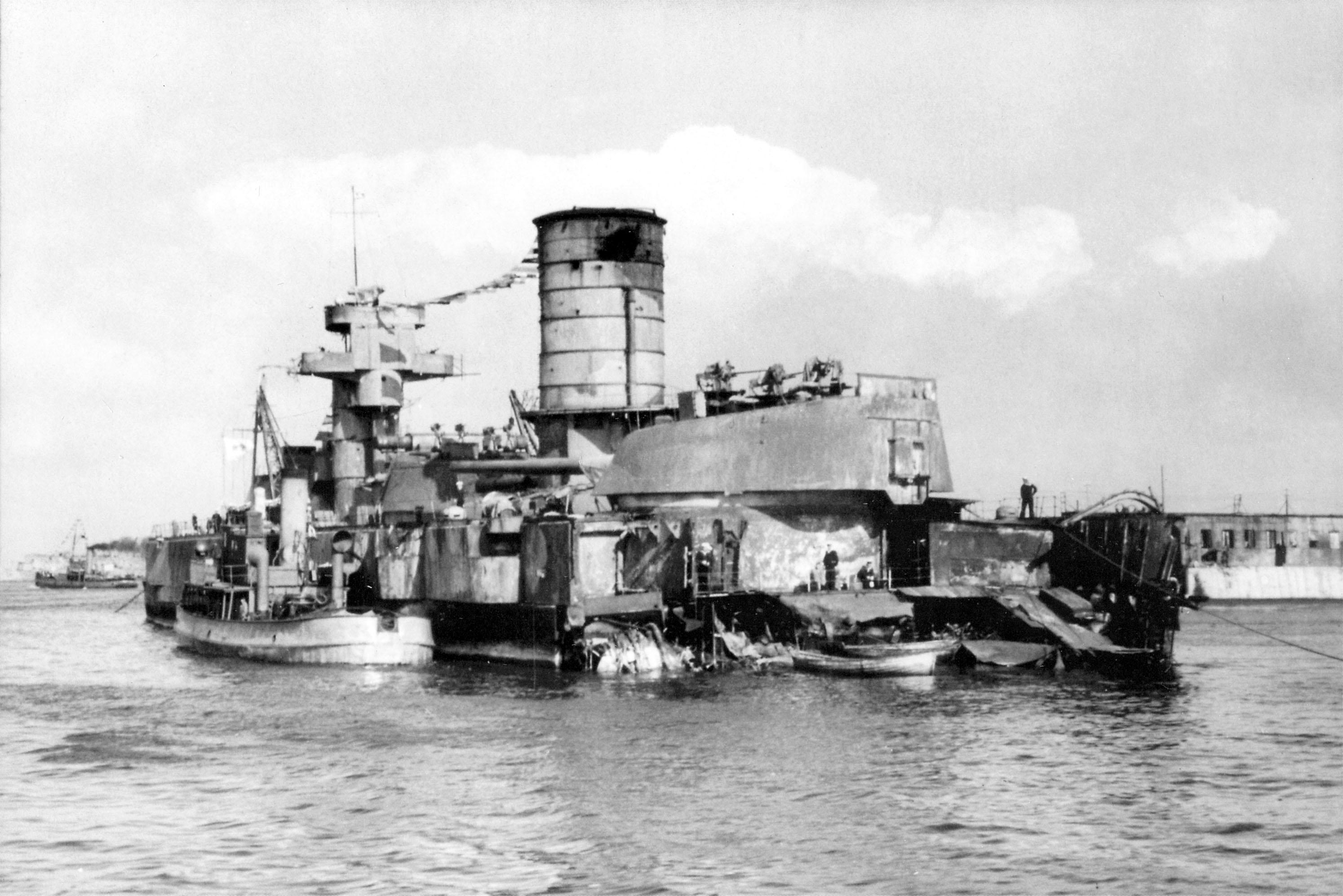 Hundimiento del Gorki:Crucero Sovietivo