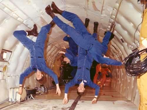 ingravidez, astronautas en sus practicas