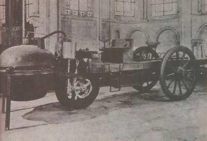 primer vehiculo a vapor cargnot