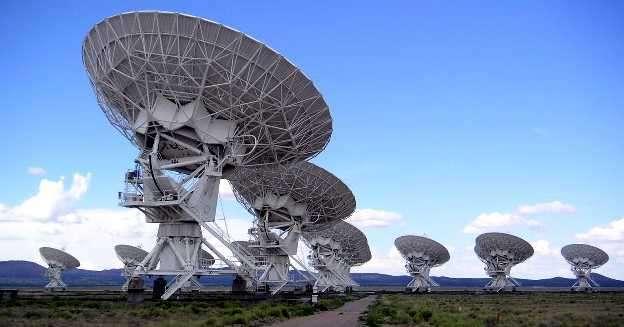 Grupo de Radiotelescopios Trabajando en Paralelo