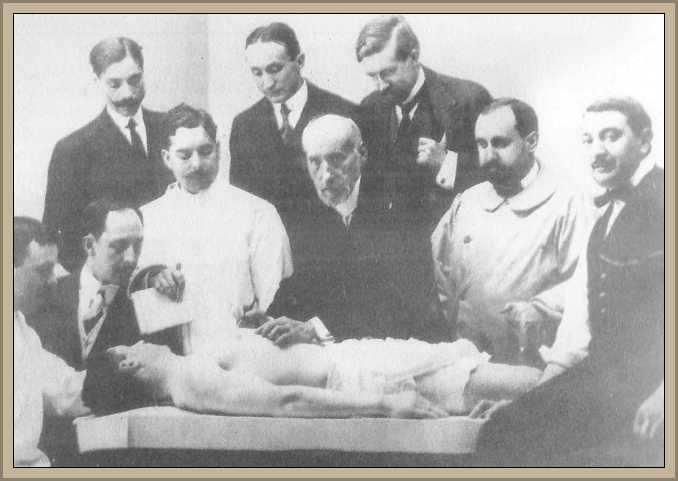 clase de disección dada por Ramón Cajal