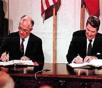 Reagan y Gorvachov