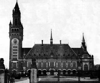 edificio tribunal de la la haya en holanda