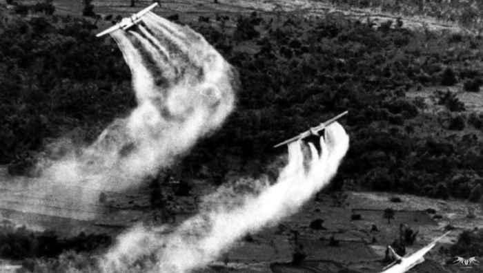 Uso del Napalm y Gases Defoliantes en la Guerra de Vietnam
