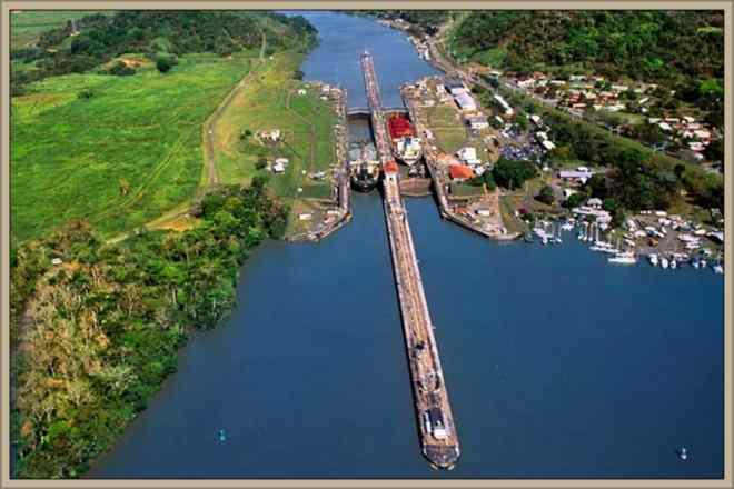vista aerea canal de panama
