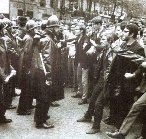 el mayo frances manifestantes en las calles