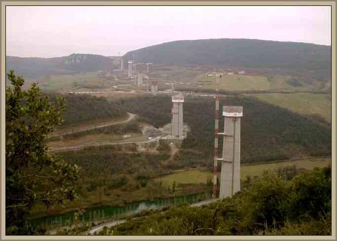Vista Aerea Viaducto Millau Francia