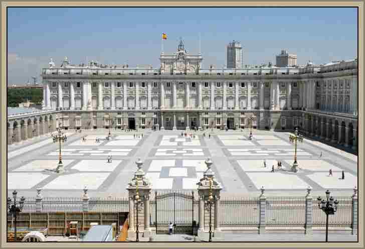 PALACIO REAL DE MADRID: Maravillosos Palacios de Europa Caracteristicas e Historia