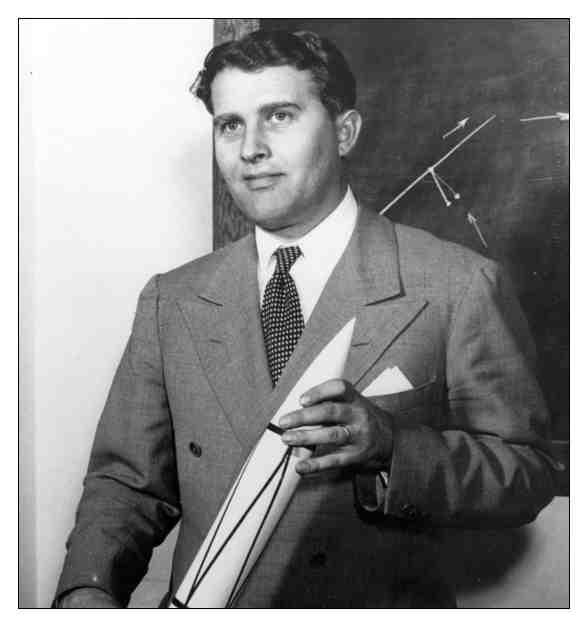 Vida de Von Braun y el Saturno 5 Cohete Para la Mision Apolo